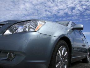 Vật liệu composite ô tô